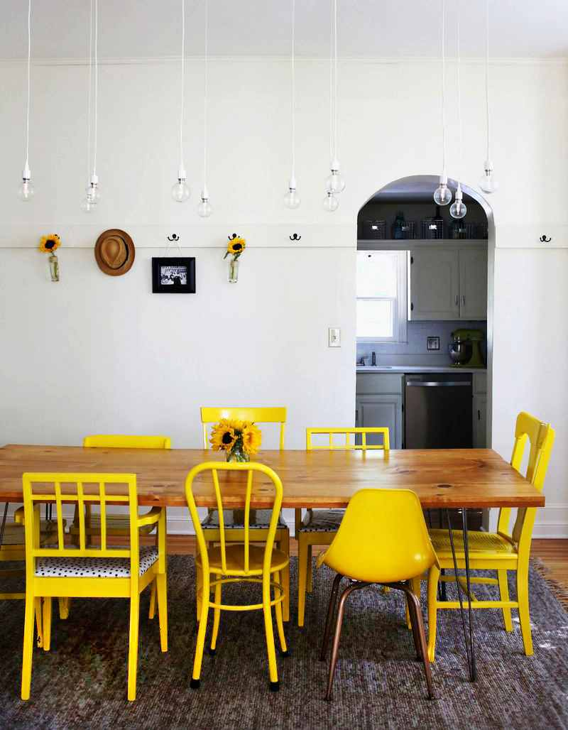 Decora un mismo espacio con sillas diferentes blog de dia for Sillas cocina amarillas