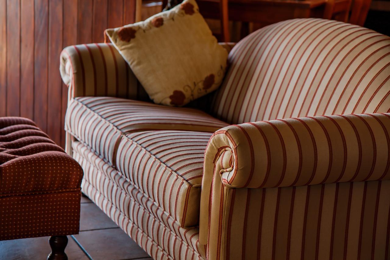 C mo tapizar un sof en casa - Tapizar cojines sofa ...