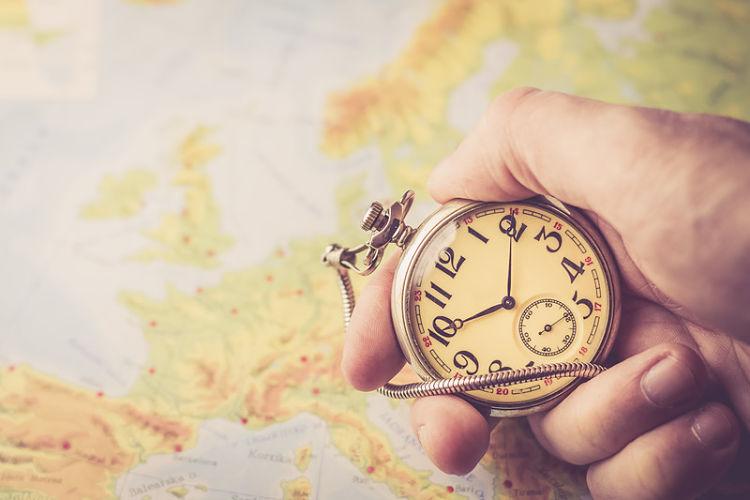 por que se cambia la hora