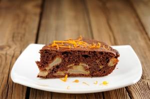 Receta de bizcocho sin gluten de chocolate con manzana y naranja