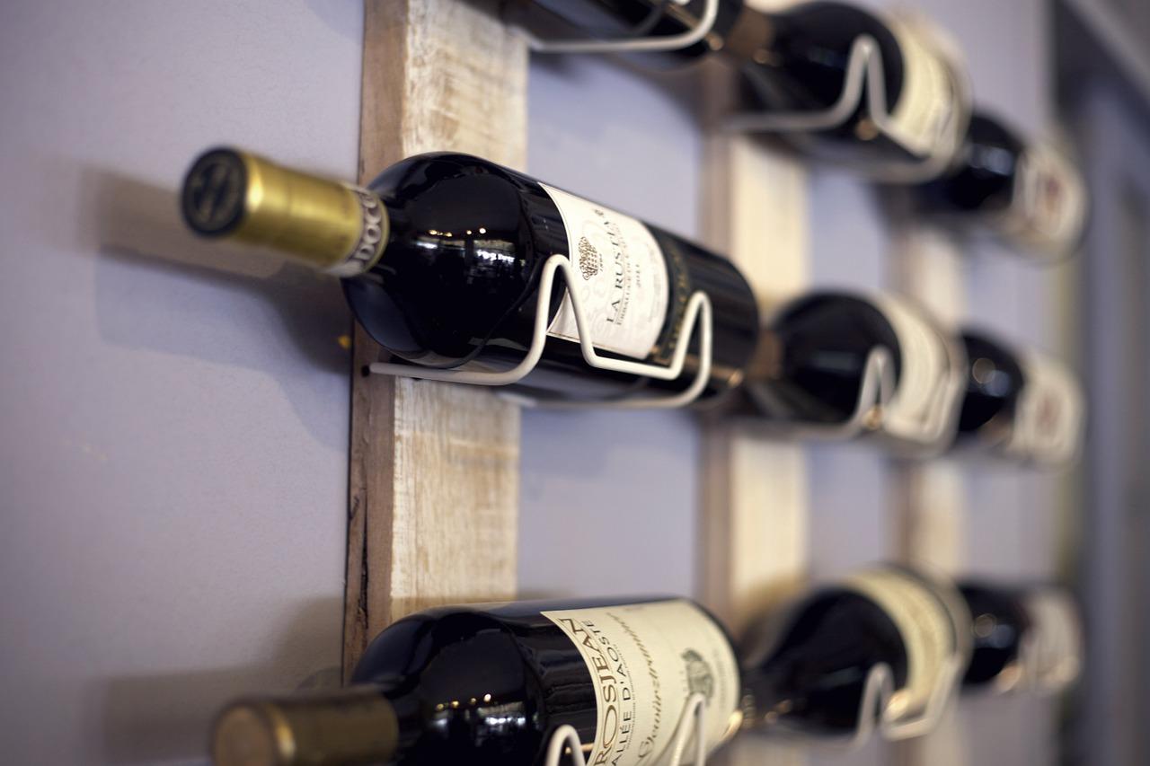 Descubre c mo guardar las botellas de vino blog de dia - Botelleros de vino ...