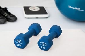 Cinco ejercicios sencillos que puedes hacer en casa