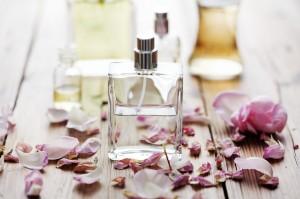 Cómo hacer que tu perfume dure más tiempo