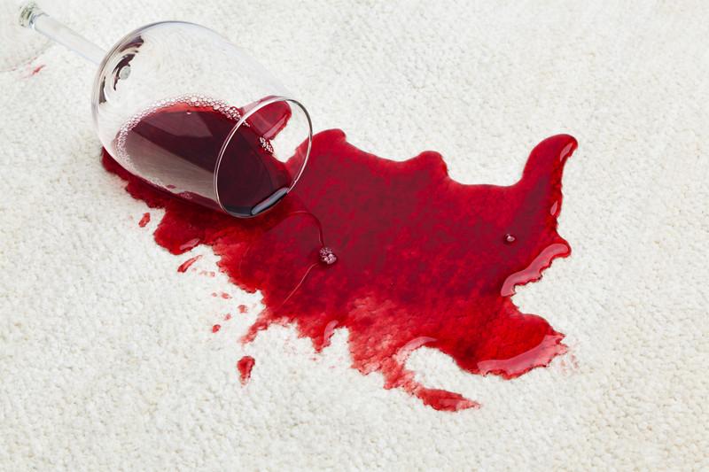 Manchas de vino en alfombra