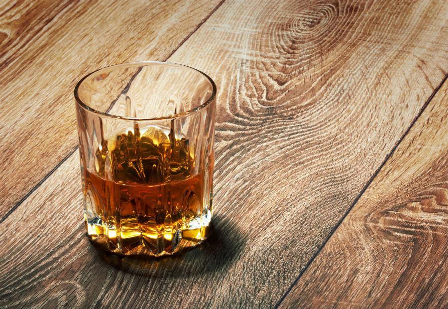 cóctel whisky