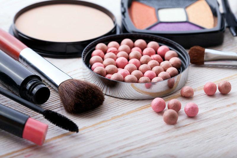 Cómo hacer una base de maquillaje perfecta 2