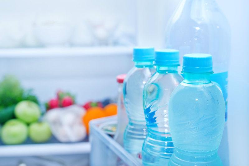 Consejos para conservar el agua en la nevera