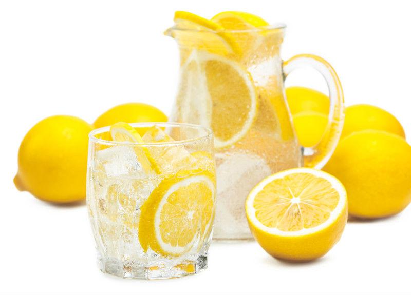 Beneficios de beber agua con limón para tu cuerpo