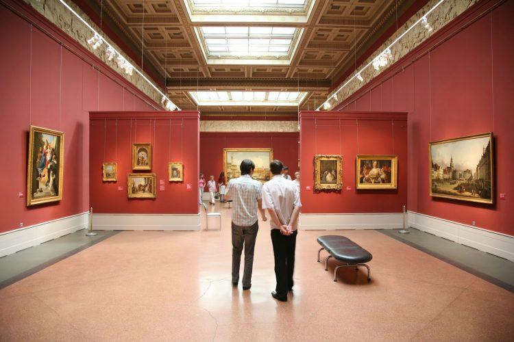 Cinco exposiciones para visitar este verano