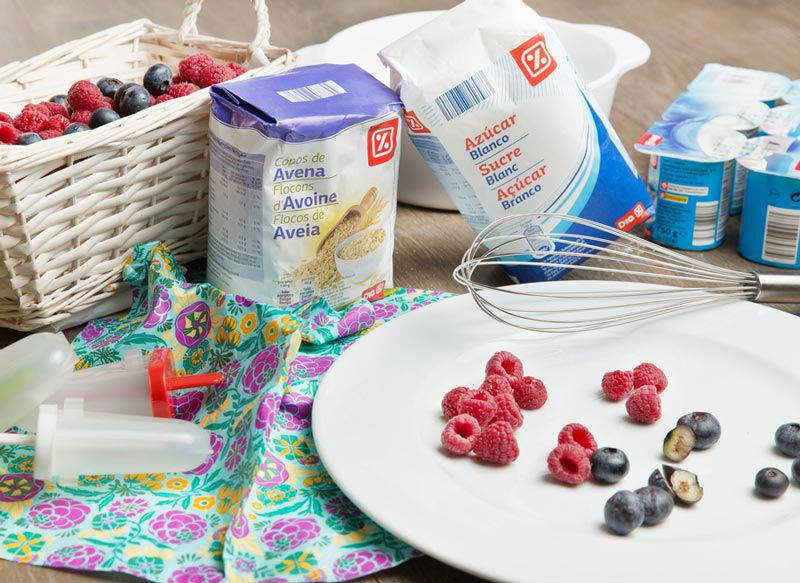 ingredientes de Helado de yogur con frutos rojos y avena