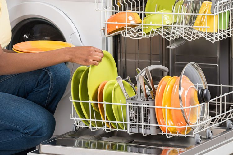 Cómo limpiar tu lavavajillas