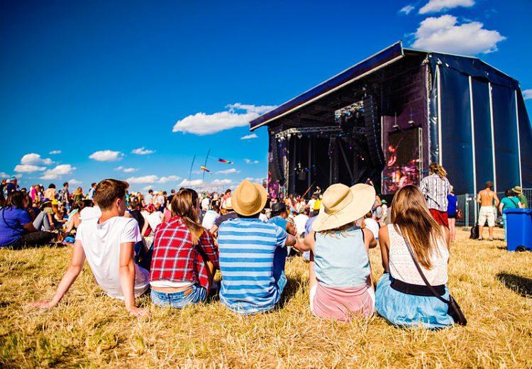 Qué llevar a un festival de verano