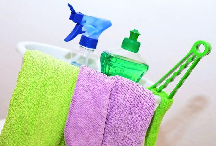 cómo limpiar muebles lacados