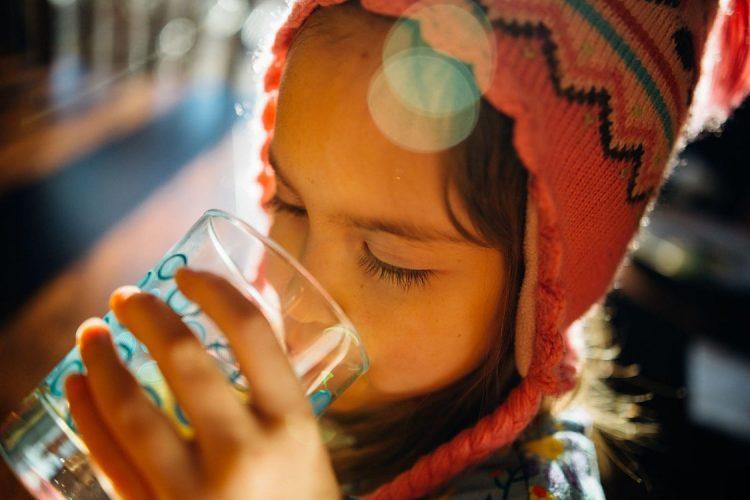 No te olvides de beber agua también en invierno
