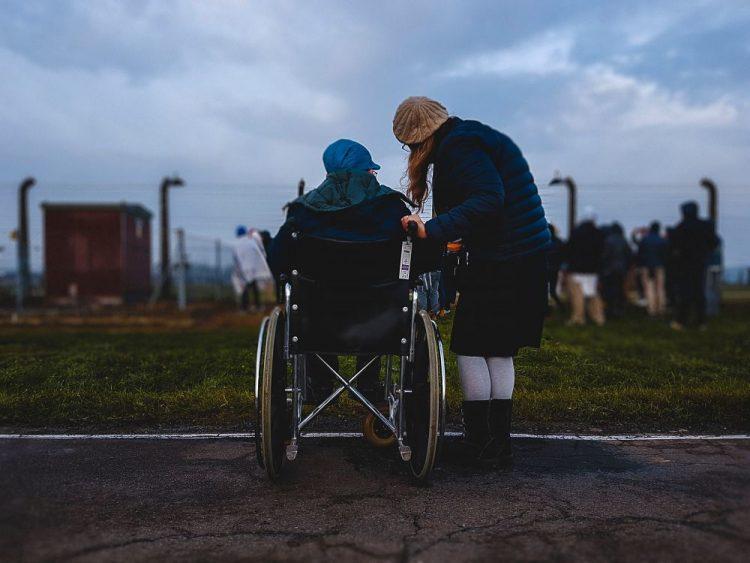 Programas de voluntariado: ayuda a personas con discapacidad
