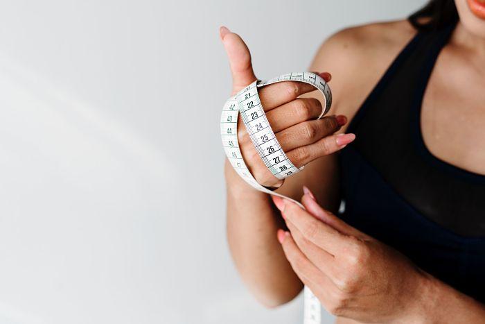 Aprende cómo perder peso después de las fiestas navideñas