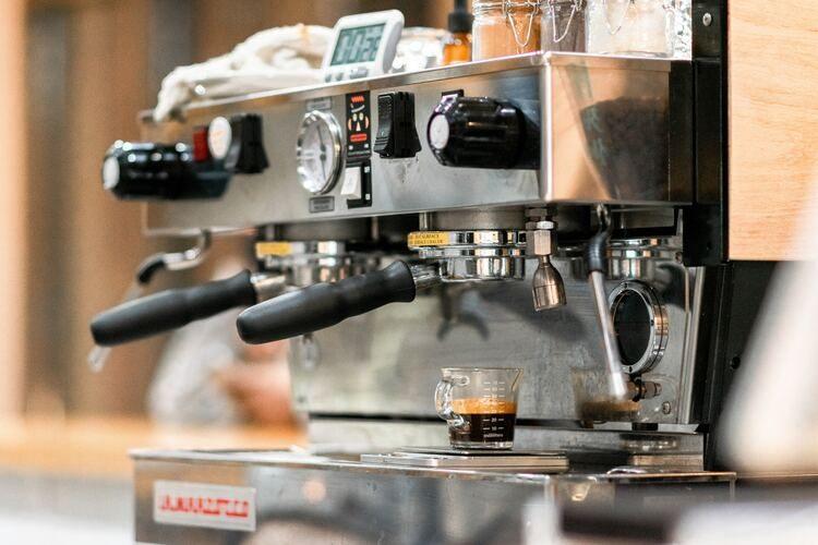 ¿Cómo limpiar tu cafetera?¡Apunta estos truquis!