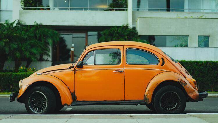 Descubre cómo limpiar las alfombrillas del coche de la forma más eficaz