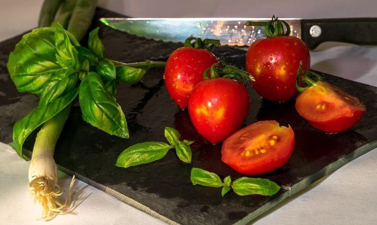 el tomate es una fruta o una verdura