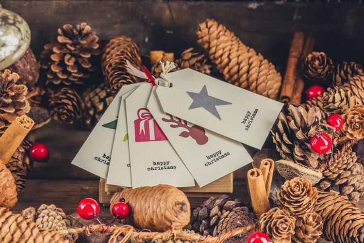 Apunta estas manualidades de adornos navideños para decorar tu hogar