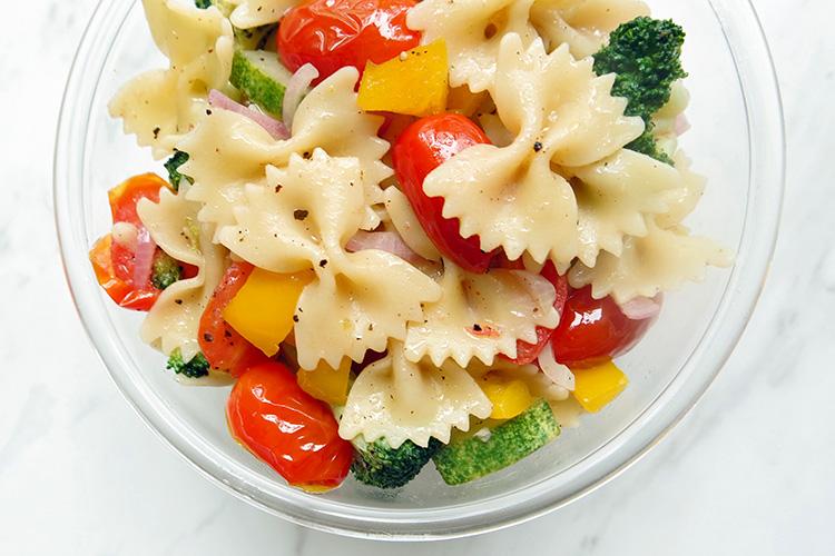 Las mejores recetas de ensaladas tropicales para el verano