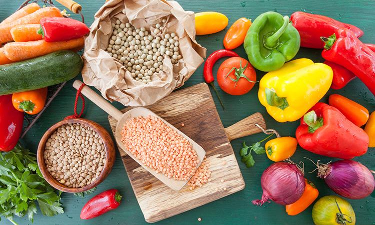 Descubre qué comen los veganos y qué no en su dieta diaria