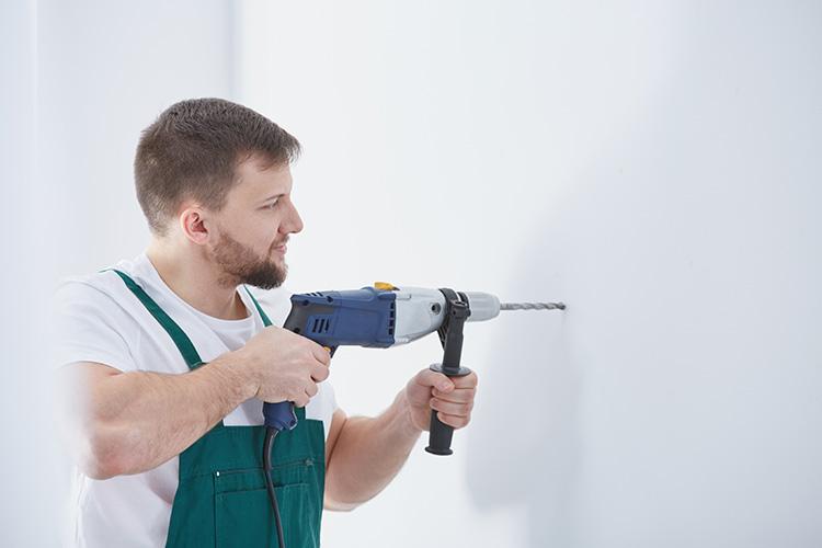 Cómo se usa un taladro y cuáles son los consejos básicos